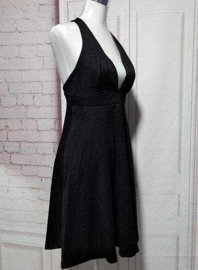 Women's Solid V Neck Sleeveless Slim Dress stylesimo.com