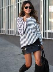 Women's Fashion Stripe Long Sleeve Loose Fit Pullover Sweatshirt