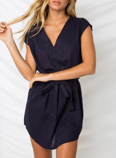 V Neck Short Sleeve Solid Color Mini Dress With Belt