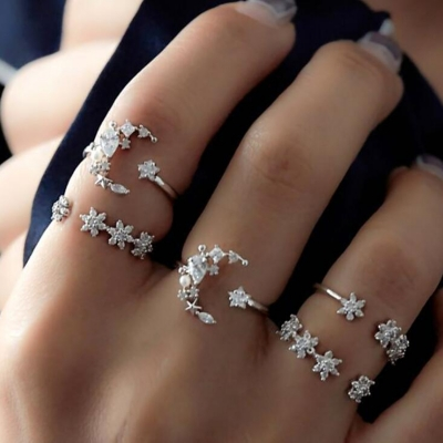 Fashion Boho Vintage Alloy 5 Piece Moon Flower Pattern Rings STYLESIMO.com